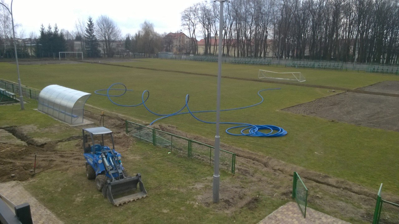 Budowa systemu automatycznego nawadniania na boisku LKS GŁOGOVIA w Głogowie Małopolskim
