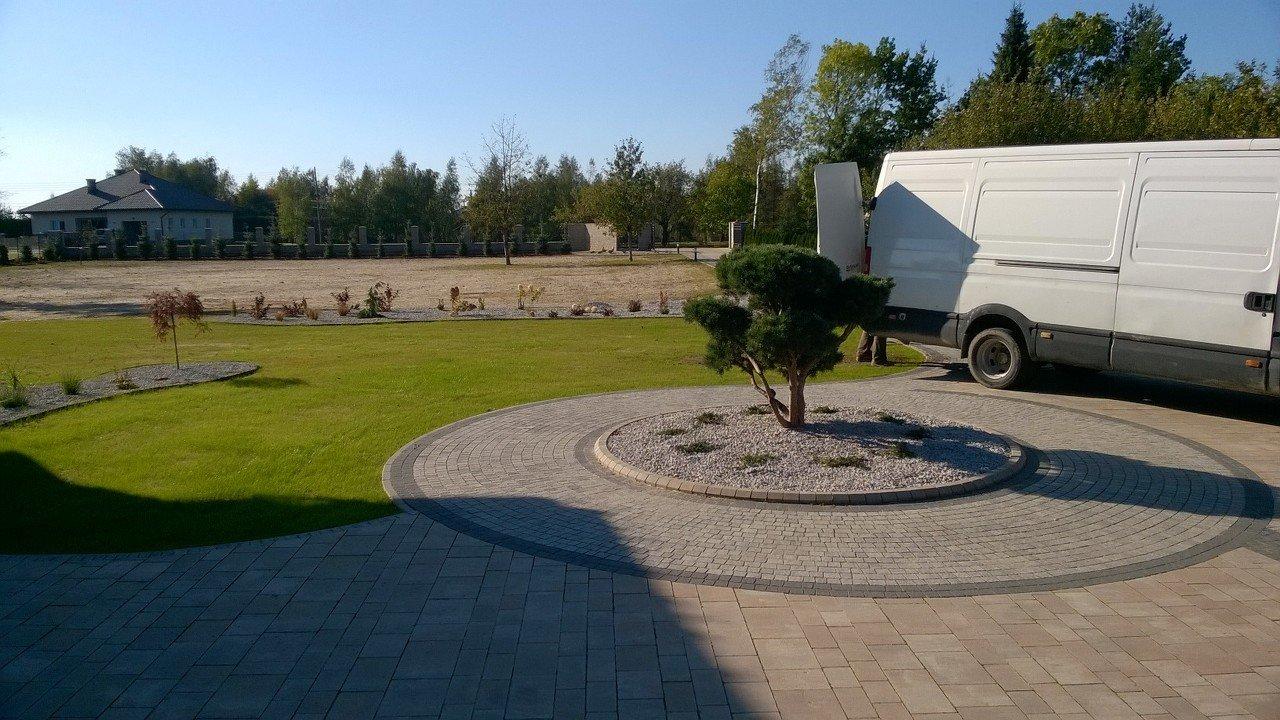 aranżacja ogrodu prywatnego w Strażowie